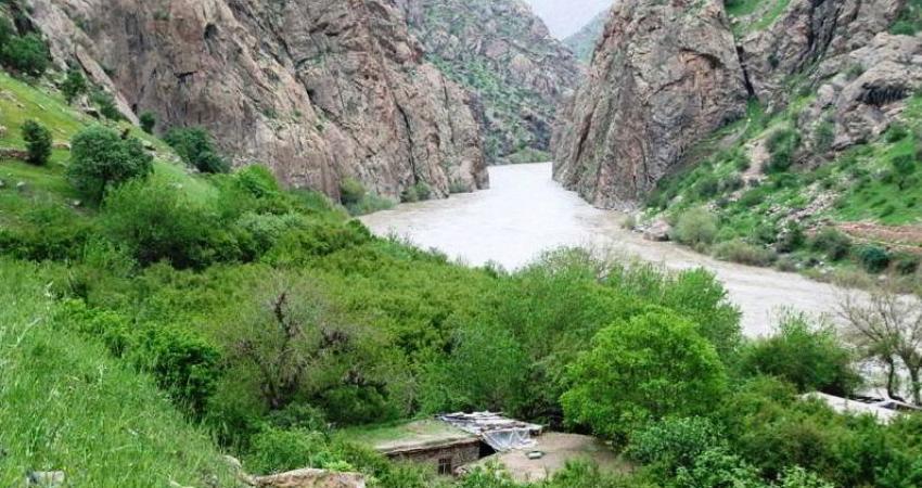 شناسایی 8 اثر تاریخی در حوضه رودخانه سیروان