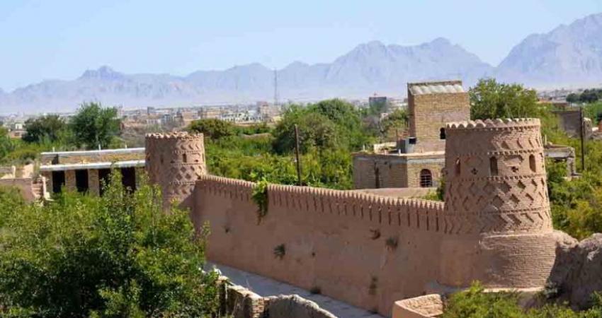 بهسازی بناهای تاریخی میبد با مشارکت مردم و دستگاه های دولتی