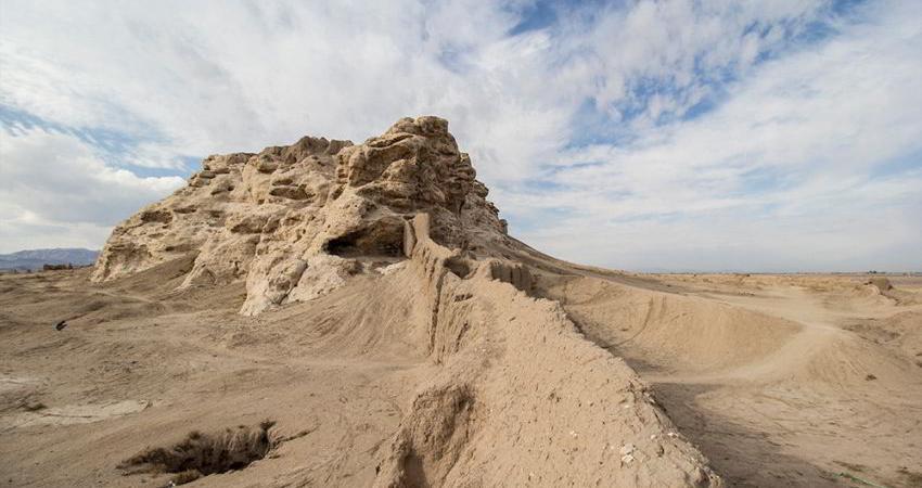کاوش برای پیشگیری از تعرض به محوطه تاریخی قلعه سنگ