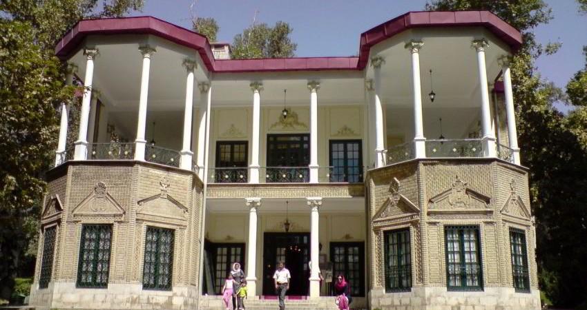 اجرای طرح غربالگری فشار و قند خون ویژه گردشگران در کاخ نیاوران