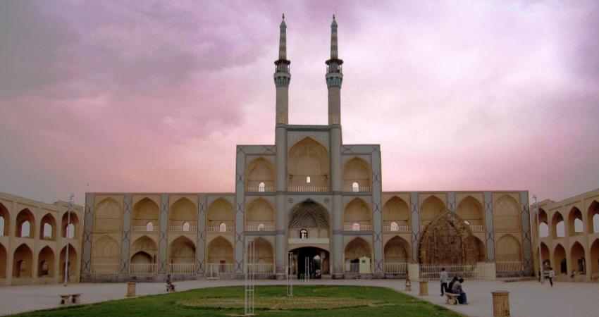 تعلیق و لغو مجوز پنج دفتر خدمات مسافرتی و جهانگردی در یزد