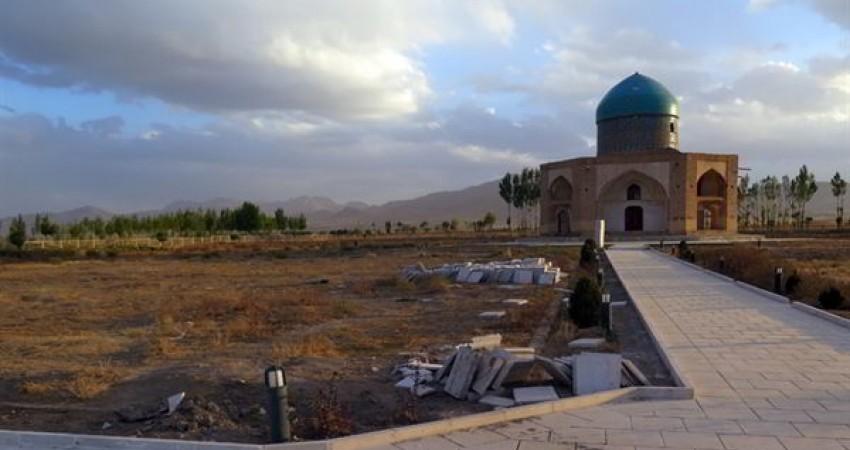 ساماندهی محوطه آرامگاه ملاحسن کاشی در سلطانیه