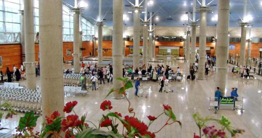 نارضایتی مسافران آتن از 9 ساعت تاخیر در پرواز خارجی