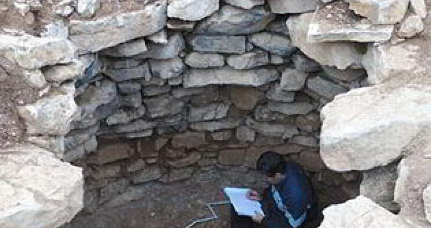 کشف گور منحصربفرد 3000 ساله با ساختار سنگی و پلان مدور