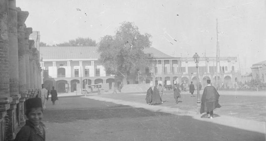 روحانیون دوره قاجار به کتابخانه و موزه ملی ملک می آیند
