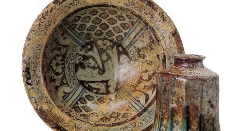 نقوش اسلامی پارچه های قدیمی روی سفال نقش بستند