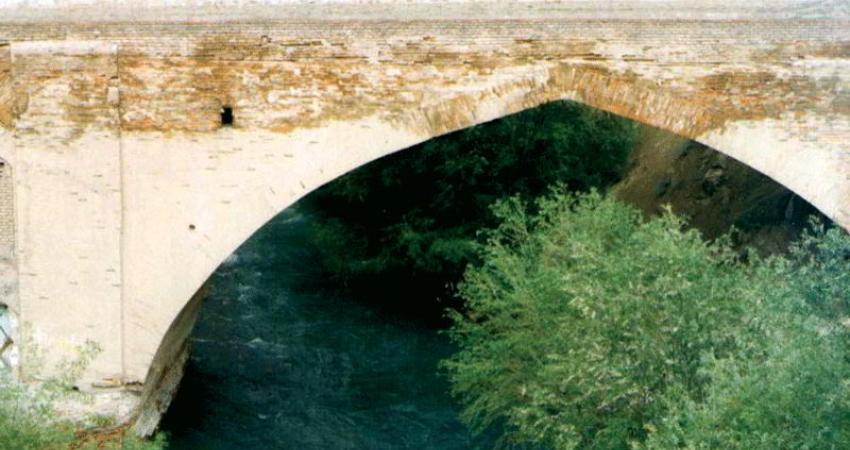 پل صفوی کرج نیازی به مرمت ندارد