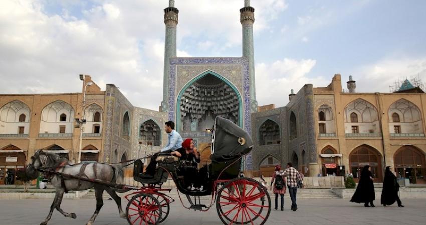 درخواست جامعه تورگردانان برای لغو تحریم گردشگری ایران