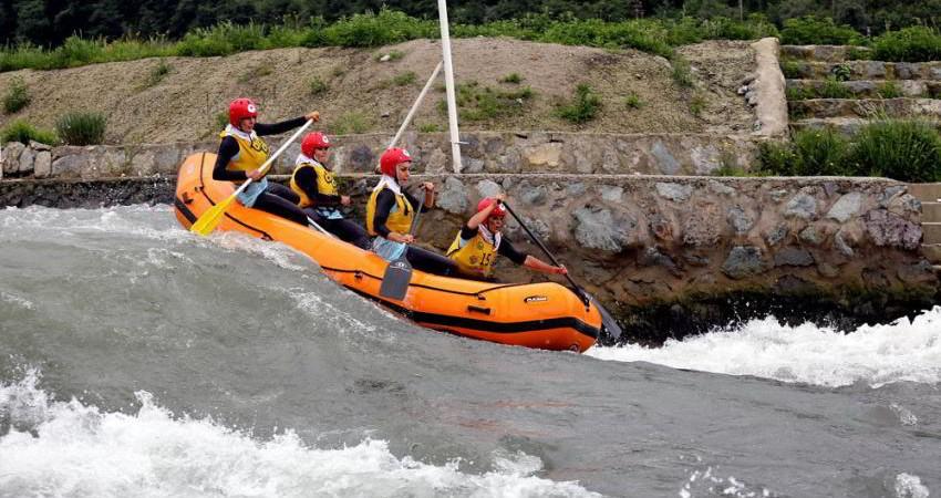 ریاست کمیته رفتینگ توریستی و حفاظت از رودخانه ها به ایران رسید