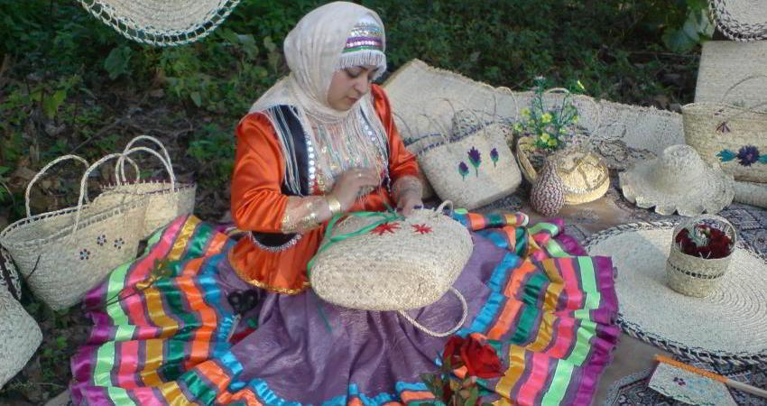 تصویب کلیات طرح حمایت از هنرمندان صنایع دستی