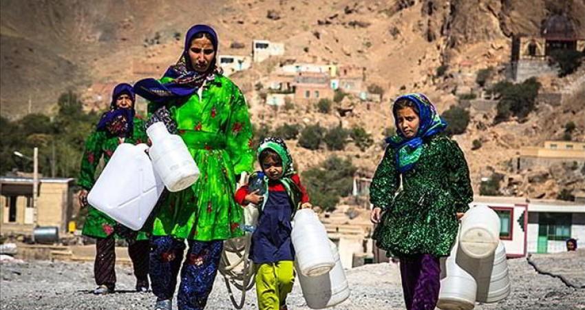 ایران در عرصه آب و خاک دچار بحران و مشکل است