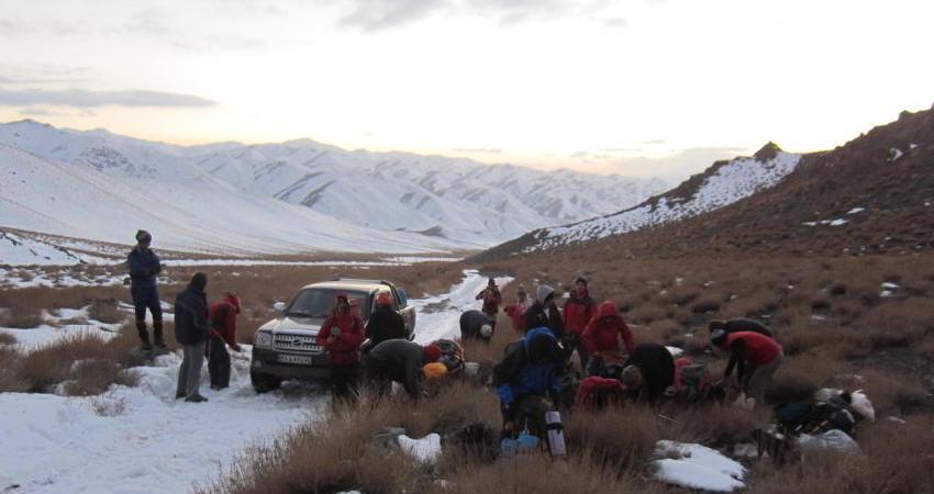 پایان عملیات نجات کوهنورد گرفتار در ارتفاعات کوه هزار